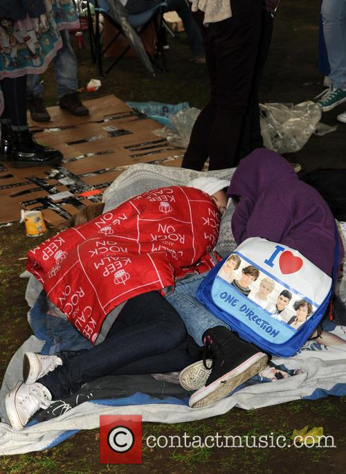 atmosphere one direction fans camp in leicester 3824486