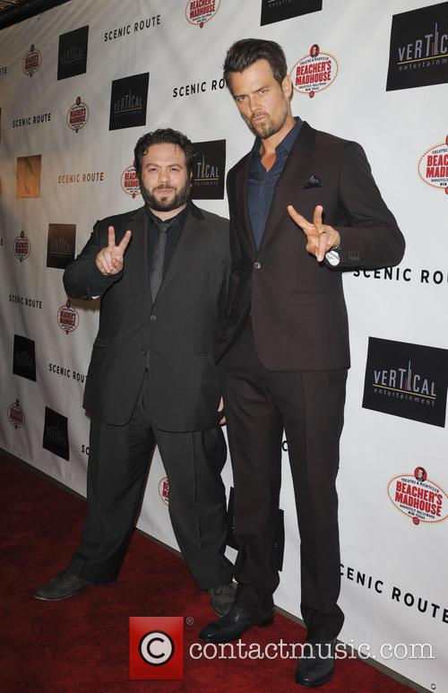 Dan Fogler and Josh Duhamel 1