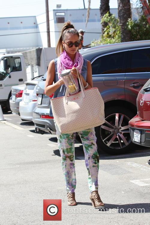 Jessica Alba arrives at her office