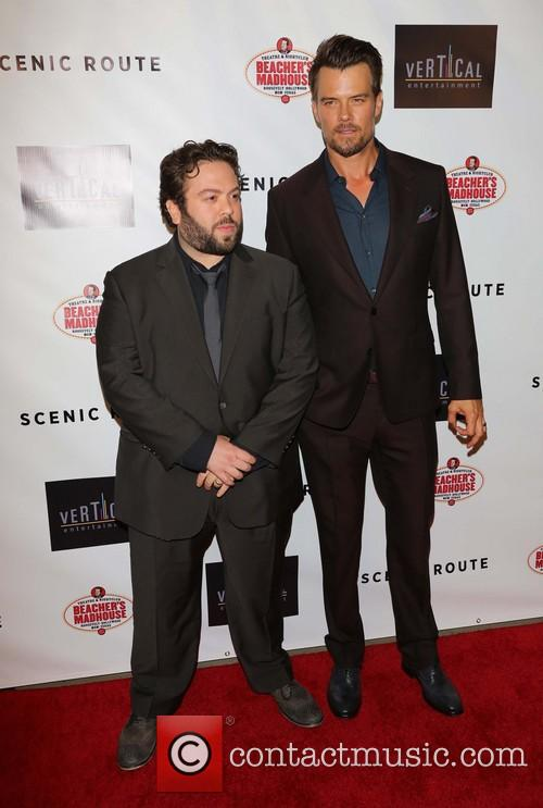 Dan Fogler and Josh Duhamel 6