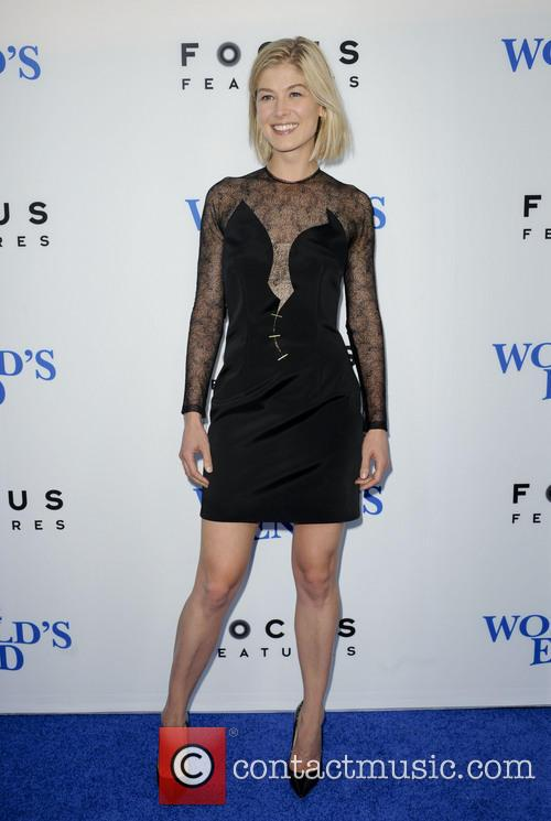 rosamond pike premiere of the worlds end 3828969