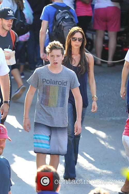 Brooklyn Beckham, Victoria Beckham, Disneyland
