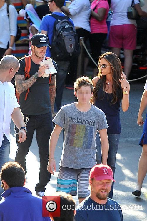 Brooklyn Beckham, Victoria Beckham, David Beckham, Disneyland