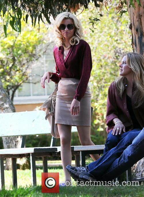 elizabeth banks elizabeth banks filming the biopic 3829656