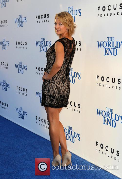 zoe bell the worlds end hollywood premiere 3828479