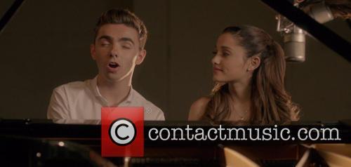Ariana Grande and Nathan Sykes 7