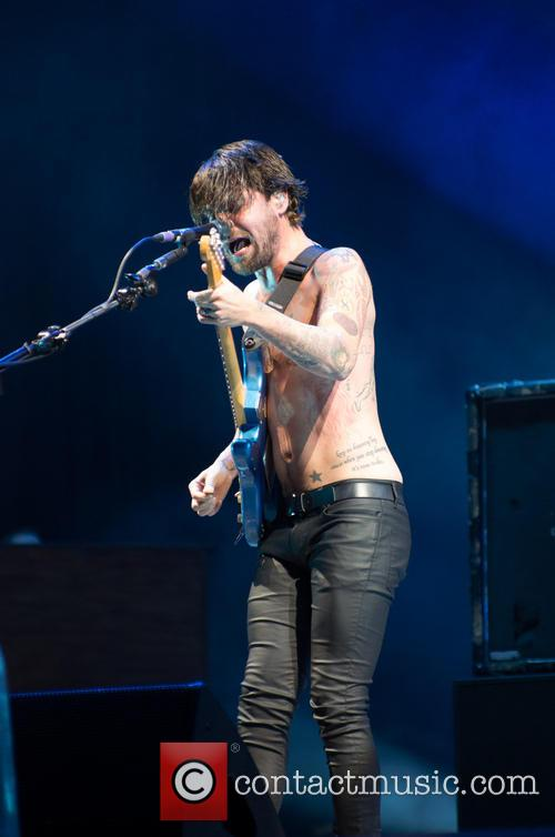 Biffy Clyro and Simon Neil 3