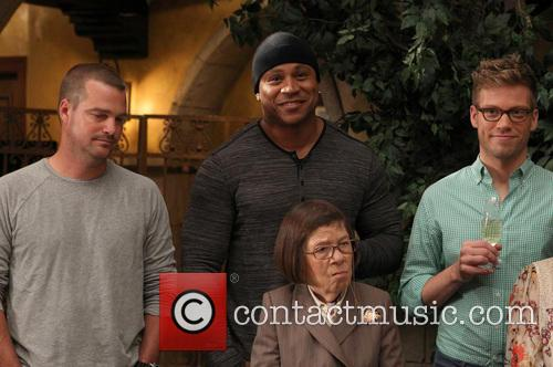 Chris O'donnell, Ll Cool J, Linda Hunt and Barrett Foa 8