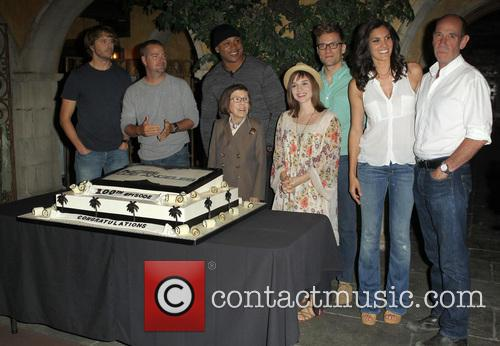 Eric Christian Olsen, Chris O'Donnell, LL Cool J, Linda Hunt, Renée Felice Smith, Barrett Foa, Daniela Ruah and Miguel Ferrer 1