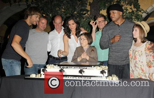 Eric Christian Olsen, Chris O'donnell, Ll Cool J, Miguel Ferrer, Linda Hunt, Barrett Foa, Renée Felice Smith and Daniela Ruah 1