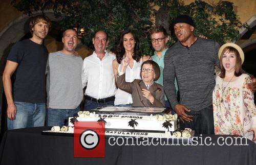 Eric Christian Olsen, Chris O'Donnell, Miguel Ferrer, Daniela Ruah, Barrett Foa, Linda Hunt, LL Cool J and Renée Felice Smith 1