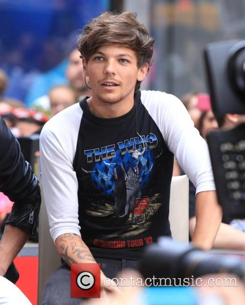 one direction louis tomlinson one direction perform on 3831478