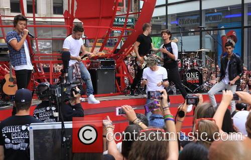 One Direction, Niall Horan, Zayn Malik, Liam Payne, Harry Styles and Louis Tomlinson 22