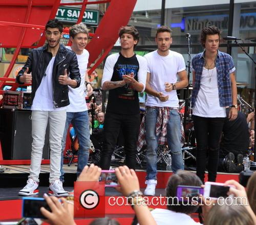 one direction one direction perform on the 3831444