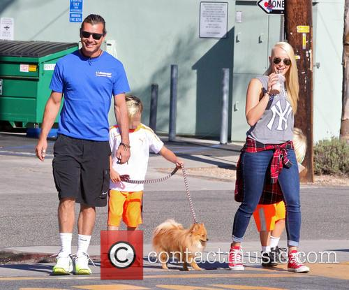 Gavin Rossdale, Kingston Rossdale and Zuma Rossdale 4