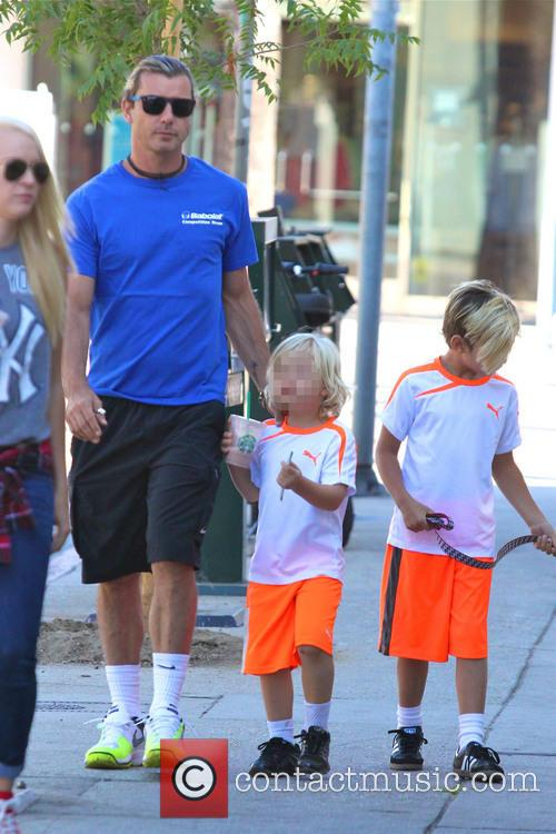 Gavin Rossdale, Kingston Rossdale and Zuma Rossdale 9