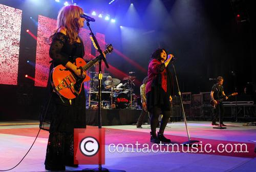 Nancy Wilson and Ann Wilson 4