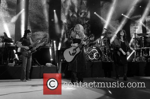 Nancy Wilson, Jason Bonham and Ann Wilson 5
