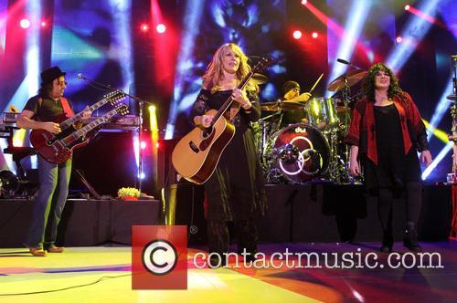 Nancy Wilson, Jason Bonham and Ann Wilson 6