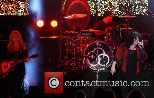 Nancy Wilson, Jason Bonham and Ann Wilson 10