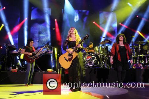 Nancy Wilson, Jason Bonham and Ann Wilson 12
