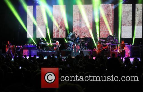 Nancy Wilson, Jason Bonham and Ann Wilson 13