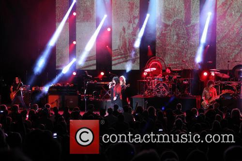 Nancy Wilson, Jason Bonham and Ann Wilson 14