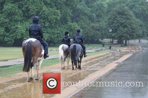 Wet Weather Pictures Hyde Park 7
