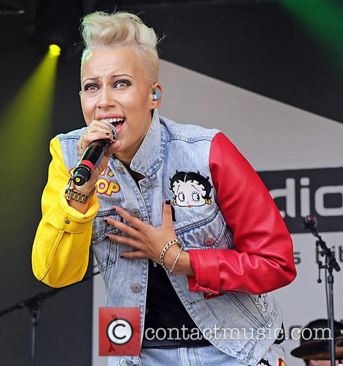 Courtney Rumbold and Stooshe 2