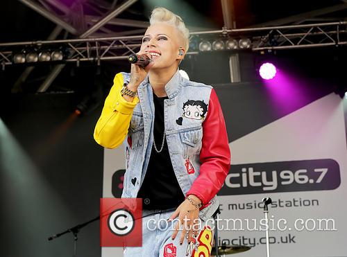 Courtney Rumbold and Stooshe 4