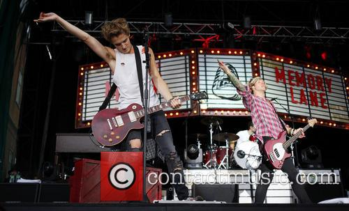 Mcfly, Tom Fletcher and Dougie Poynter 5