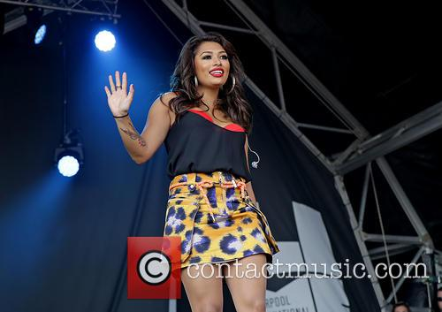 Vanessa White and The Saturdays 7