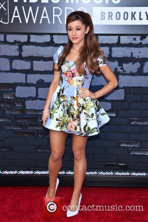 Ariana Grande 6