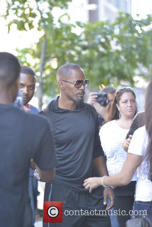 Jamie Foxx Stopped by Fans