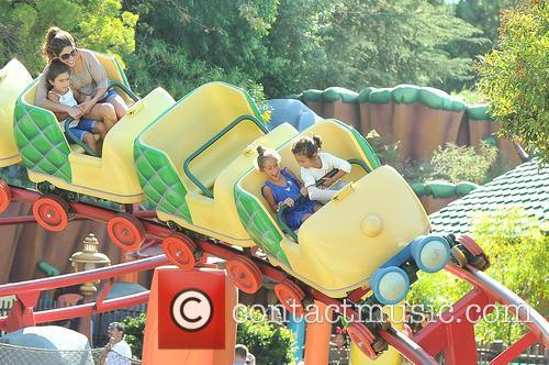 Jennifer Lopez, Emme Maribel Muniz, Maximilian David Muniz, Disneyland