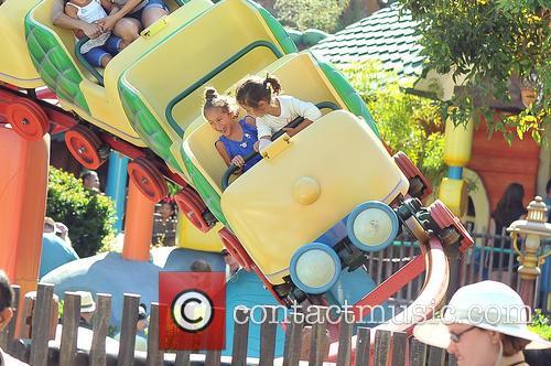 Jennifer Lopez, Emme Maribel Muniz and Maximilian David Muniz 12