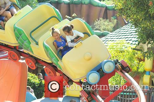 Jennifer Lopez, Emme Maribel Muniz, Maximilian David Muniz, Disneyland