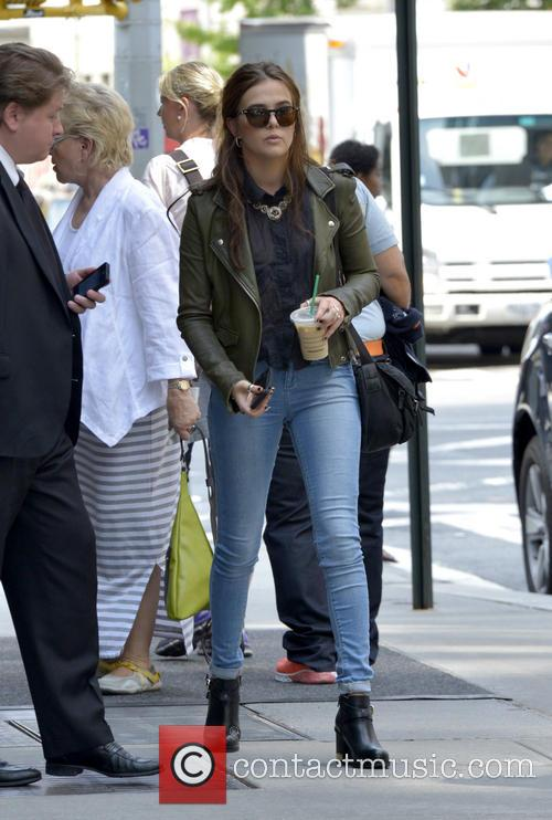 Zoey Duetch leaving her hotel