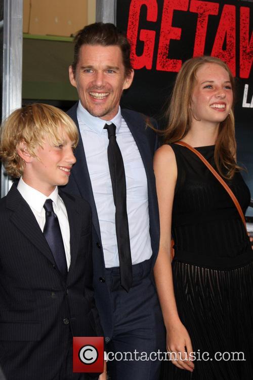 Ethan Hawke and children 2
