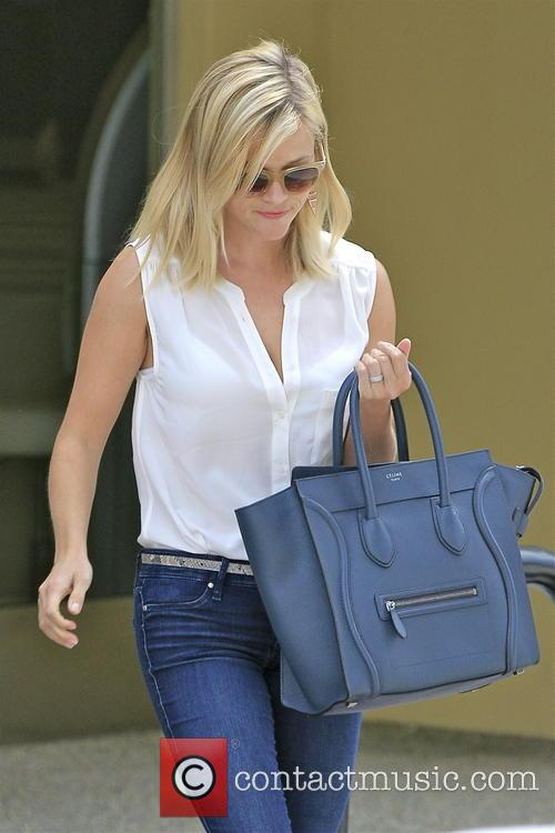 reese witherspoon reese witherspoon leaving a nail 3838705