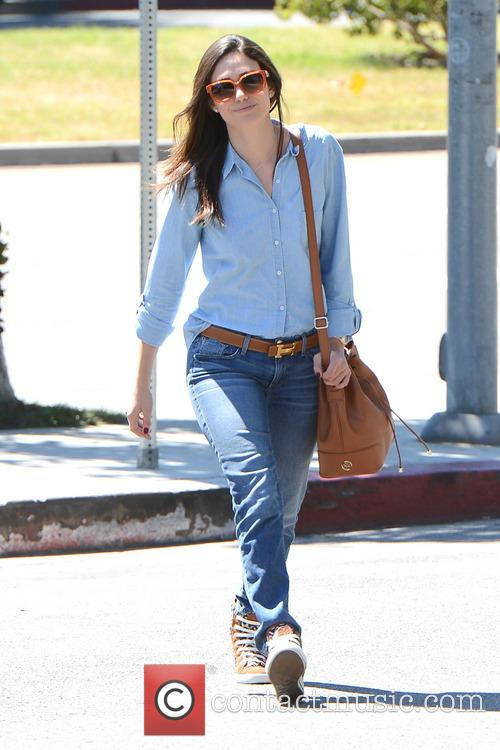 Emmy Rossum Looking Great While Grabbing Some Starbucks
