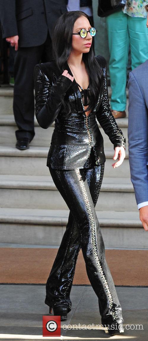 Lady Gaga All Black