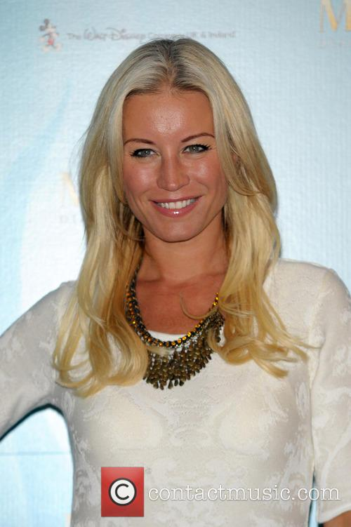 Denise Van Outten 2