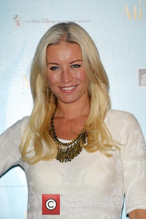 Denise Van Outten 3