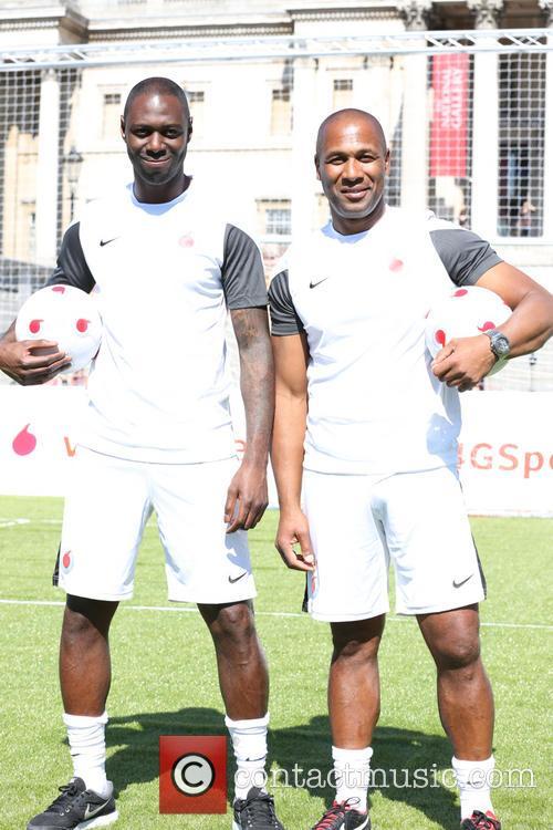 Ledley King and Les Ferdinand 5