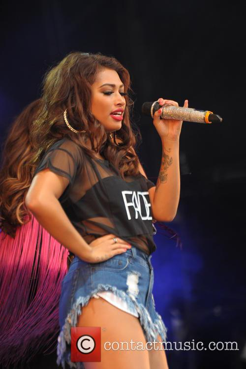 THE SATURDAYS 32
