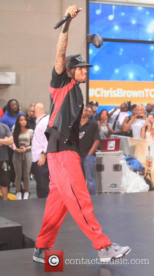 Chris Brown 32