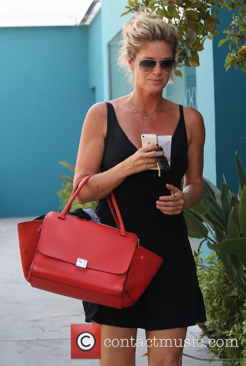 Rachel Hunter running errands