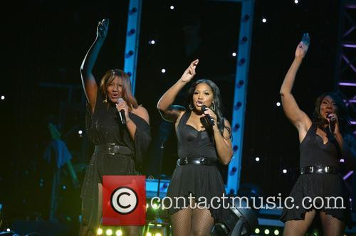 Tamar Braxton, Trina Braxton and Towanda Braxton 6