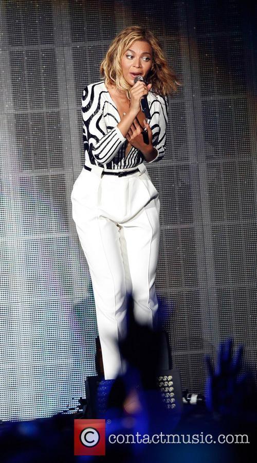 Beyonce performing live